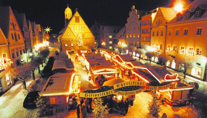 Der Weidener Weihnachtsmarkt lockt mit Charme und Flair