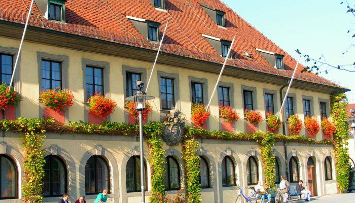 Das barocke Lichtenfelser Rathaus, errichtet 1742 nach Plänen von Justus Heinrich Dientzenhofer.