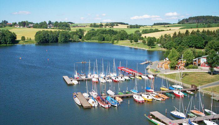 Bootsfahrten auf dem Untreusee sind sehr beliebt.