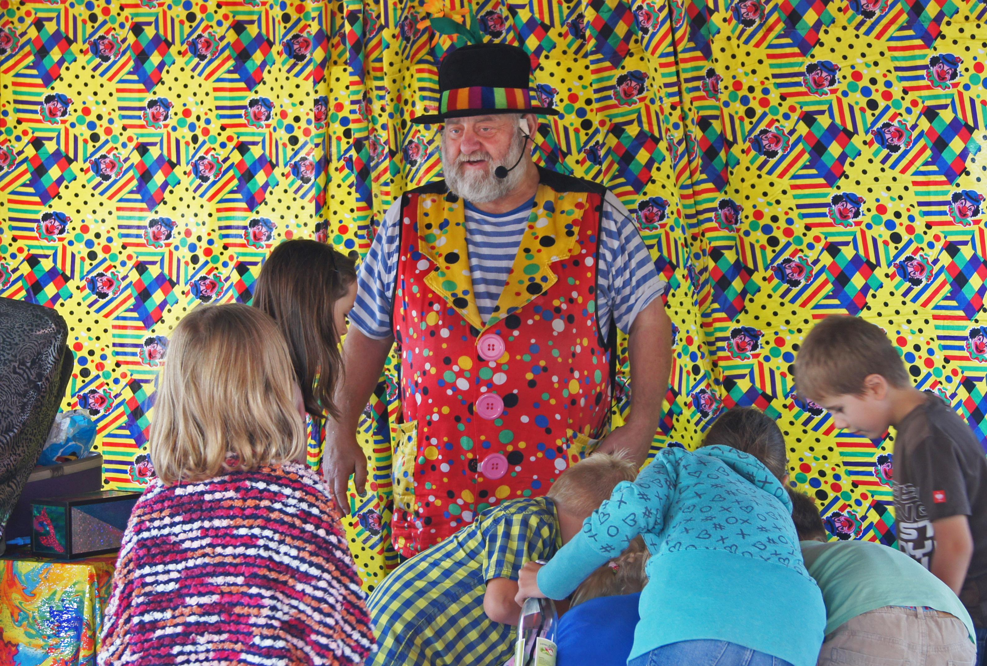 Zauberer Wobby war das Highlight für die kleinen Besucher